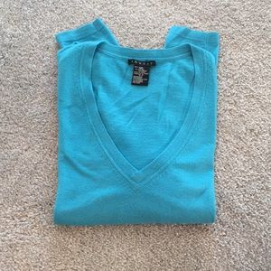 Theory lightweight wool/spandex sweater
